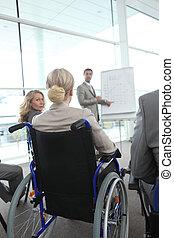 cadeira rodas, mulher, reunião