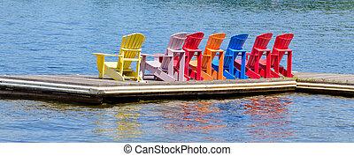 cadeiras, doca, coloridos