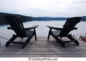 cadeiras, lago