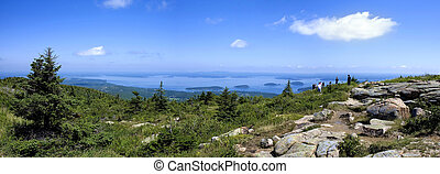 Panoramic view from Cadillac Mountain and Bar Harbor, Park Acadia, Main, United States