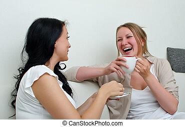café, bavarder, sur, deux, maison, amis, femmes