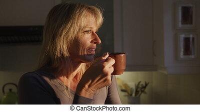 café, boire, femme, maison
