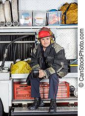 café, bombero, confiado, jarra, camión, tenencia