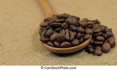 café, burlap., tourner, débordement, haricots, cuillère, ...