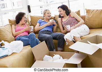 café, délassant, trois, boîtes, smi, nouvelle maison, amis fille