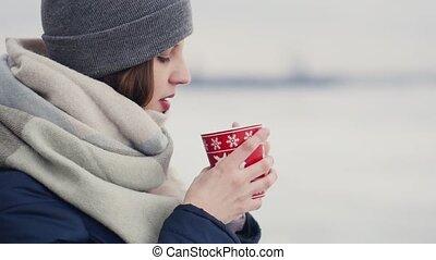 café, femme, fond, elle, neigeux, thé, jeune, marche, matin, quoique, horizon, apprécier, ou