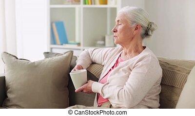 café, femme, tasse, thé, maison, personne agee, ou