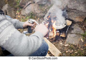 café, feu, camping, émoulage, homme