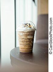 café, frappe, couvert, à, crème fouettée