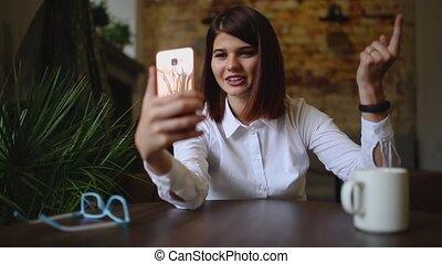 café, girl, conversation, téléphone, quoique, vidéo, bavarder, boire, café, sourire, intelligent