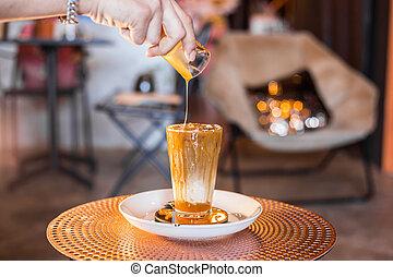 café, glacé, grand, table., lait, lunettes