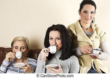 café, groupe, sourire, femmes