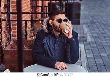 café, jeune, outdoors., beau, boire, homme