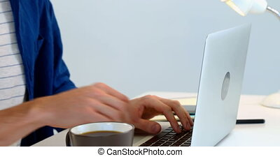 café, ordinateur portable, fond, bureau, contre, avoir, quoique, utilisation, homme, blanc, 4k