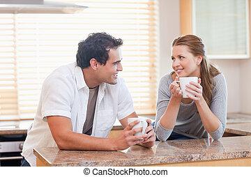 café, pareja, el gozar, cocina, juntos