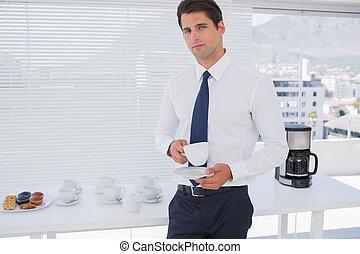 café, pendant, avoir, coupure, homme affaires