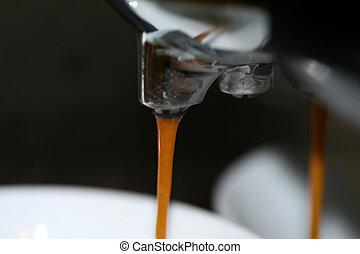 café, ruisseau