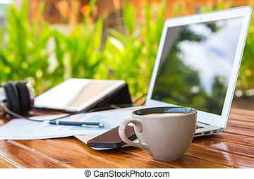 café, smartphone, financier, tablette, docume, tasse, ordinateur portable