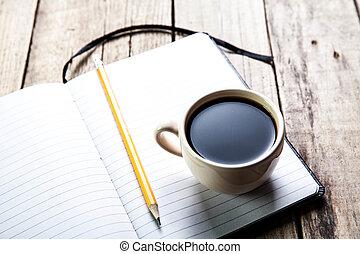 café, vieux, bois, stylo, cahier, table