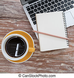 café, vieux, tasse, bois, ordinateur portable, bloc-notes, stylo, table, (notebook)