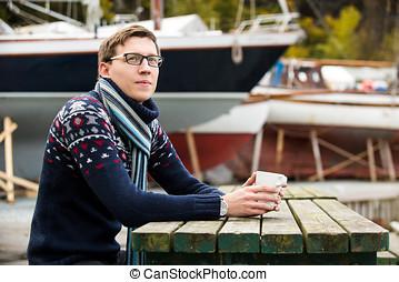 café, yachtsman