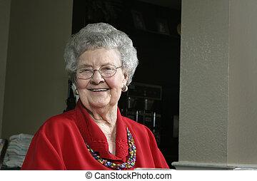 cafétéria, femme aînée