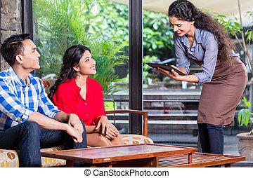 cafe, eller, indisk, servitris, tagande, beställa, restaurang