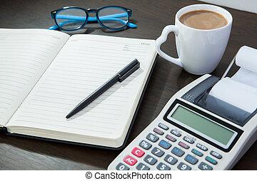caffè, calcolatore, lavoro, blocco note, penna, tavola., occhiali