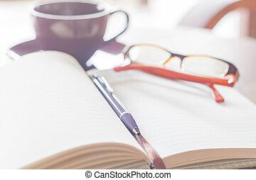 caffè, occhiali, tazza, legno, quaderno, tavola, penna