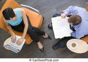 caffè, seduta, laptop, businesspeople, due, dentro, cartella