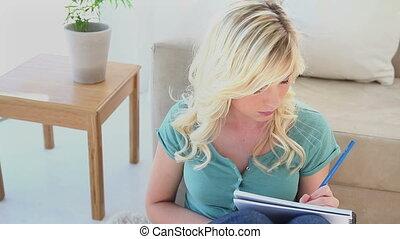 cahier, écriture, femme, blond, jeune