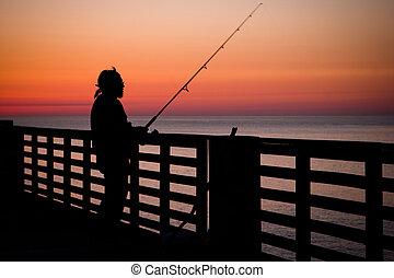 cais pescando
