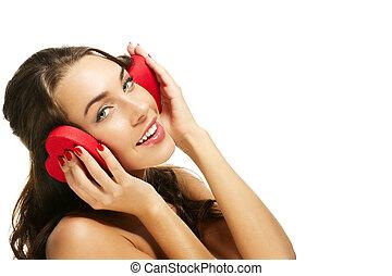 caixa, coração, mulher segura, dela, dado forma, fundo, branca, feliz, vermelho, orelhas