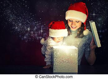 caixa, magia, família, presente, mãe, bebê, natal, feliz