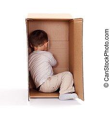 caixa, Menino, pequeno, papelão, escondendo