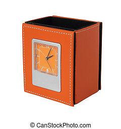 caixa, relógio, couro, sobre, isolado, fundo amarelo, branca
