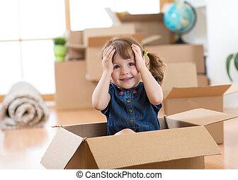 caixa, sala, após, olhar, em movimento, criança, novo, saída
