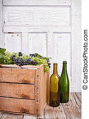cajón de madera, uvas