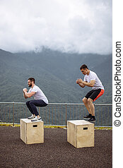 caja, al aire libre, atlético, amigos, cima, salto, macho, mountain., caucásico