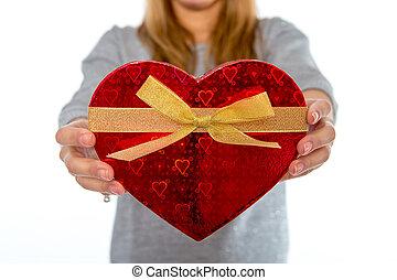 caja, corazón, mujer, amor, plano de fondo, tenencia, blanco