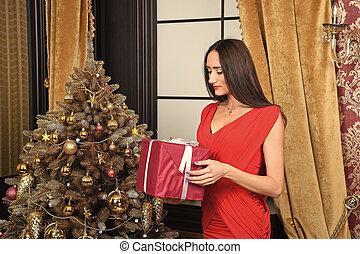 caja, mujer, árbol, sonrisa, presente navidad