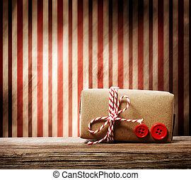 caja, regalo, encima, hechaa mano, plano de fondo, rayado