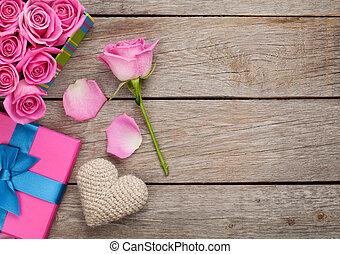 caja, rosa, lleno, regalo, h, valentines, rosas, plano de ...
