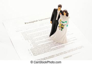 cake-topper, par wedding, y, un, pre-nuptial, acuerdo