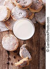 cakes, verticaal, welsh, bovenzijde, close-up, melk, smakelijk, tafel., raisins, aanzicht