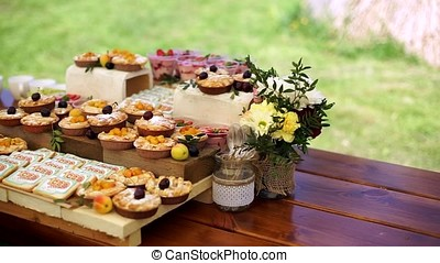 Cakes with fruit and biscuits. - Cakes with fruit and...
