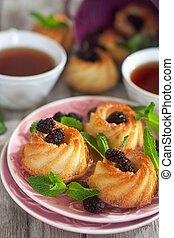 Cakes with mulberry