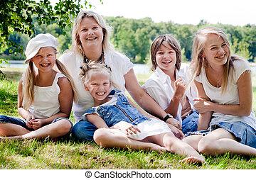 calças brim, família, mãe