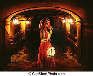 calabouço, romanticos, escuro, segurando, senhora, lanterna