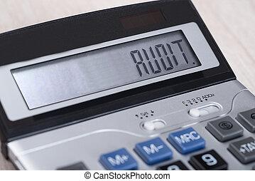 calculadora, con, auditoría, en la exhibición